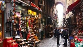 Fiera-di-Natale-2016-a-San-Gregorio-Armeno-e-ai-Decumani-con-Pizze-gratis